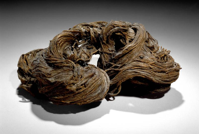 Louise Bourgeois 	RESIN EIGHT  1965 	Resin over hemp 	2 x 7 x 2 1/2 inches 	5.1 x 17.8 x 6.4 centimeters