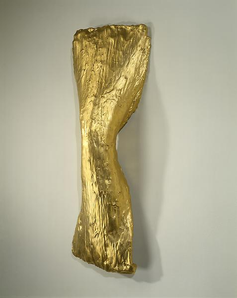 Lynda Benglis 	SPINDLE, 1977 	Chicken wire, plaster, cotton, gesso, gold leaf 	36 x 16 x 8 inches 	91.4 x 40.6 x 20.3 centimeters